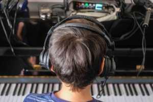 Mauricio con el piano